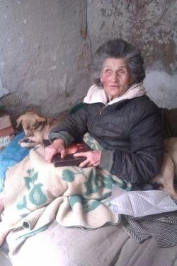 В   Евпатории в  жутких условиях живет слепая женщина