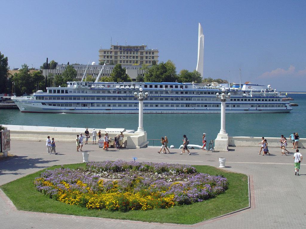 Севастополь —  в тройке лучших  городов Украины