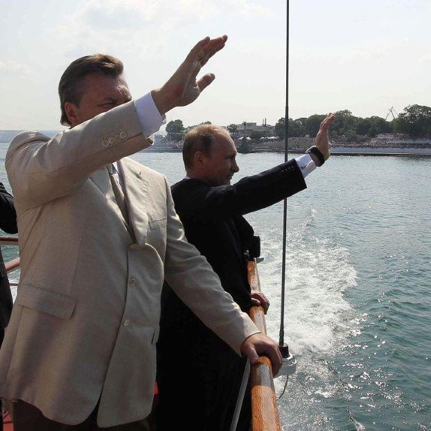 Севастополь празднует День военно-ворского флота