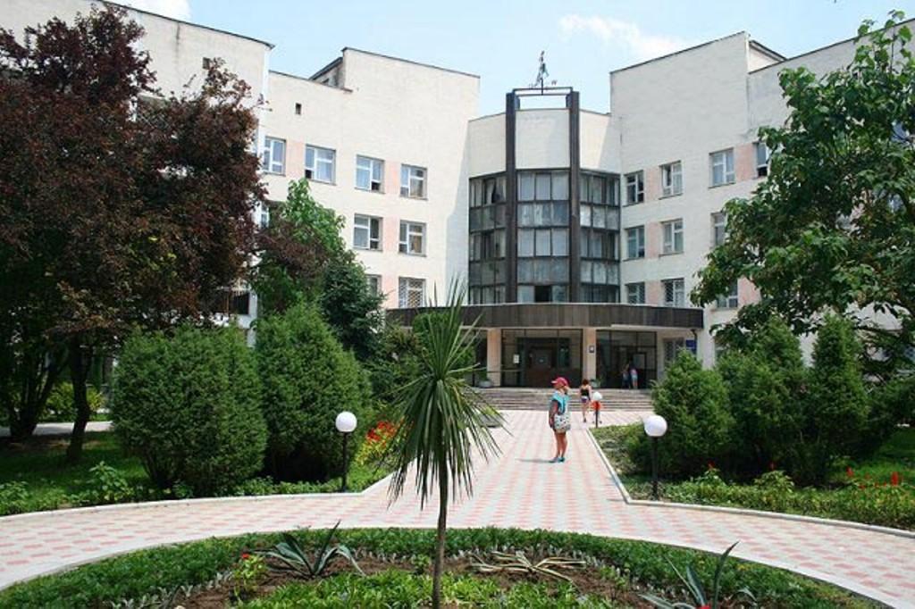 В  Евпаторийском  военном  санатории сделали  уникальную операцию