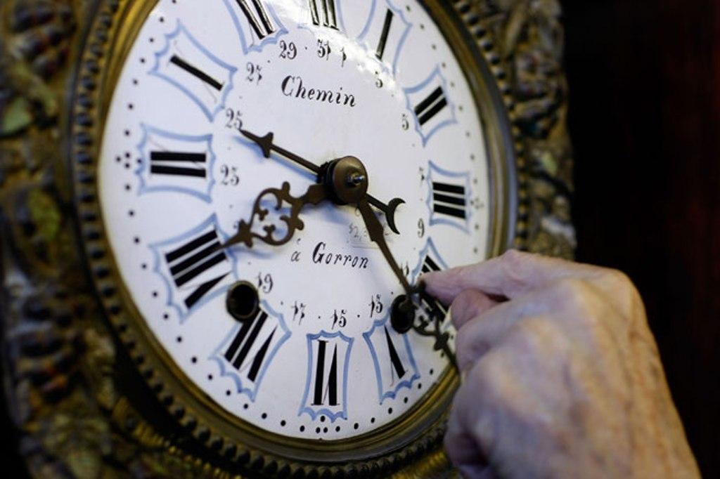 Крутить стрелки часов будем до 2015 года?