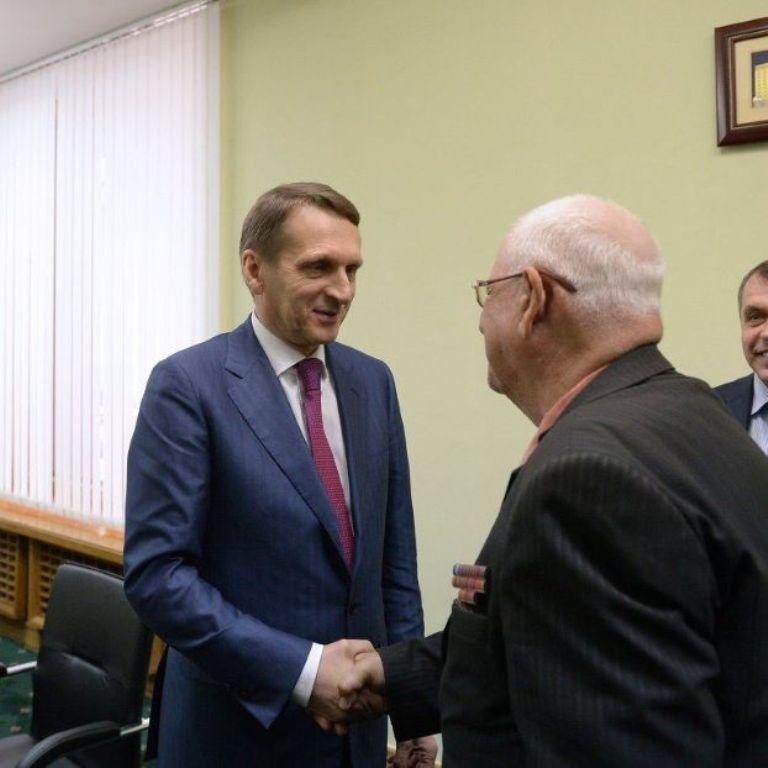 В Симферополе открыли общественную приемную  Медведева