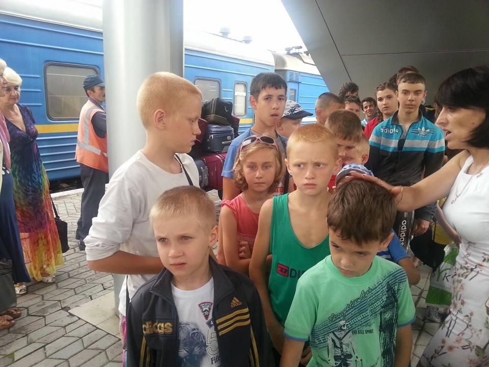 На отдых в Крым приедут луганские и донецкие дети