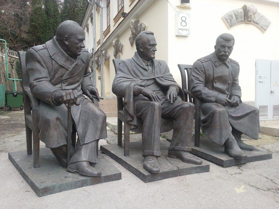 В Ливадии  сегодня откроют памятник лидерам «большой тройки»!