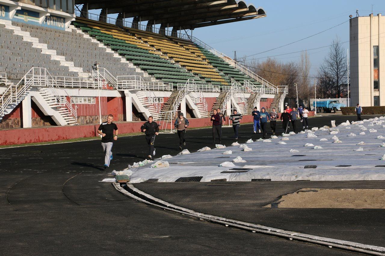 В Керчи восстанавливают стадион 50-летия Октября