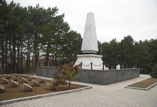 Вандалы повредили памятник турецким воинам в Севастополе