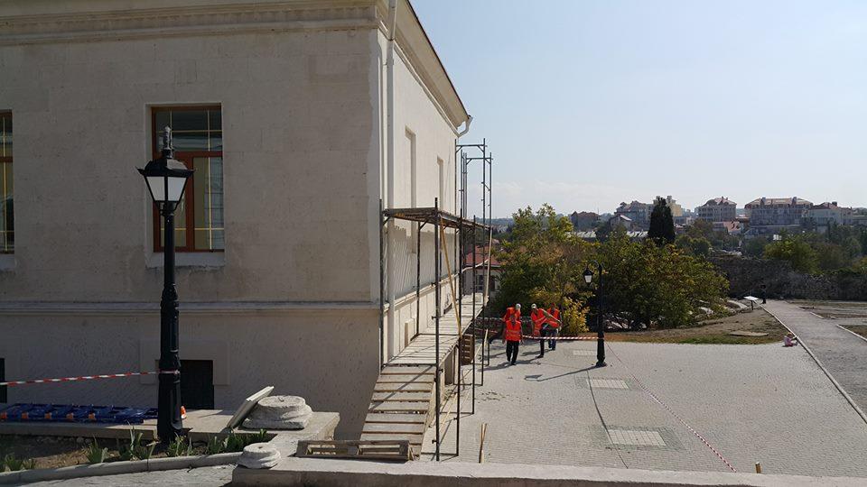 В Херсонесе откроют античный павильон