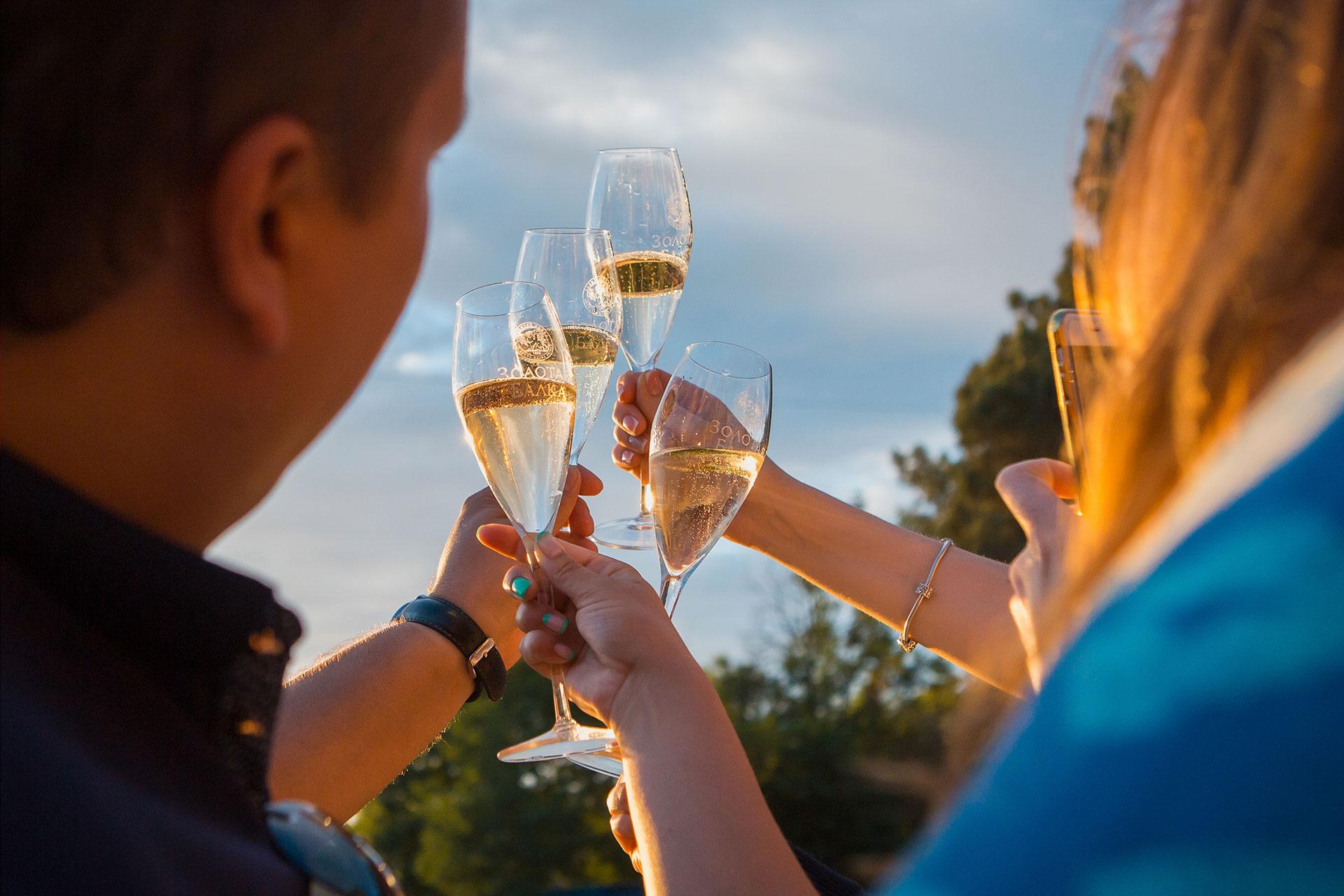 Балаклава приглашает на фестиваль молодого вина
