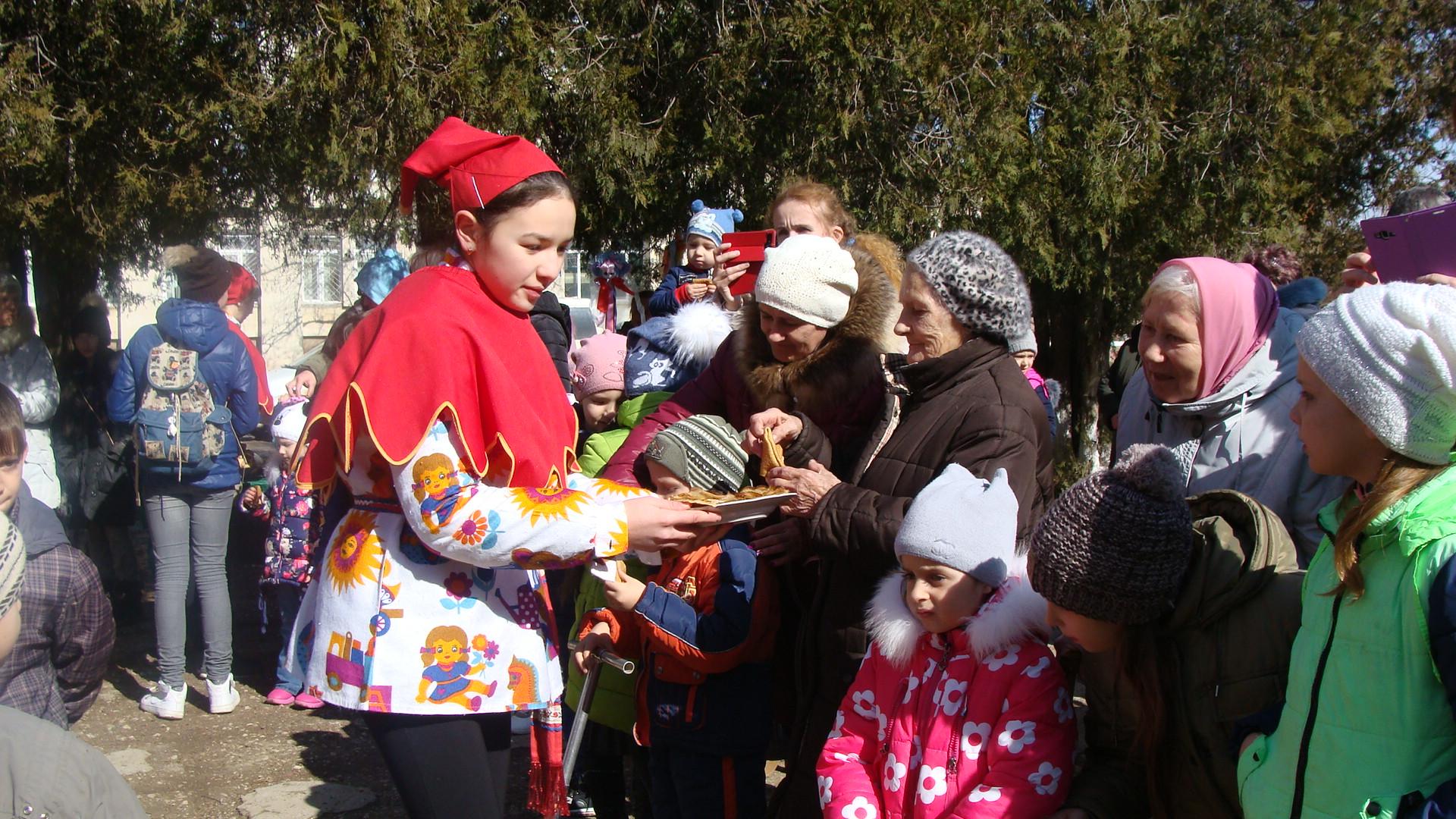 Масленица по-крымски: блины, игры, хороводы…
