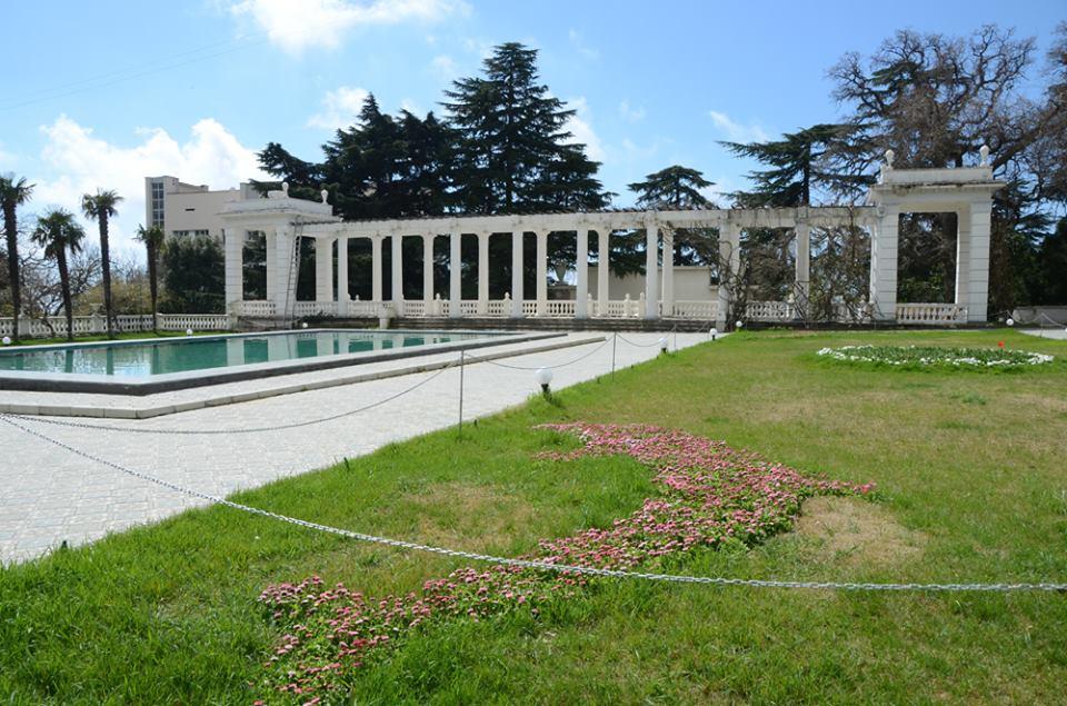 Никитский сад подготовил женщинам сюрприз на 8-е Марта
