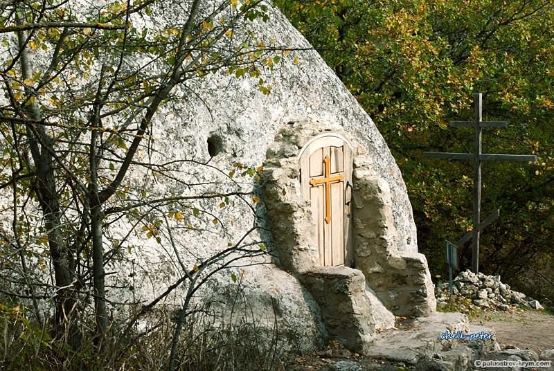 Достопримечательности Крыма: Храм трех всадников