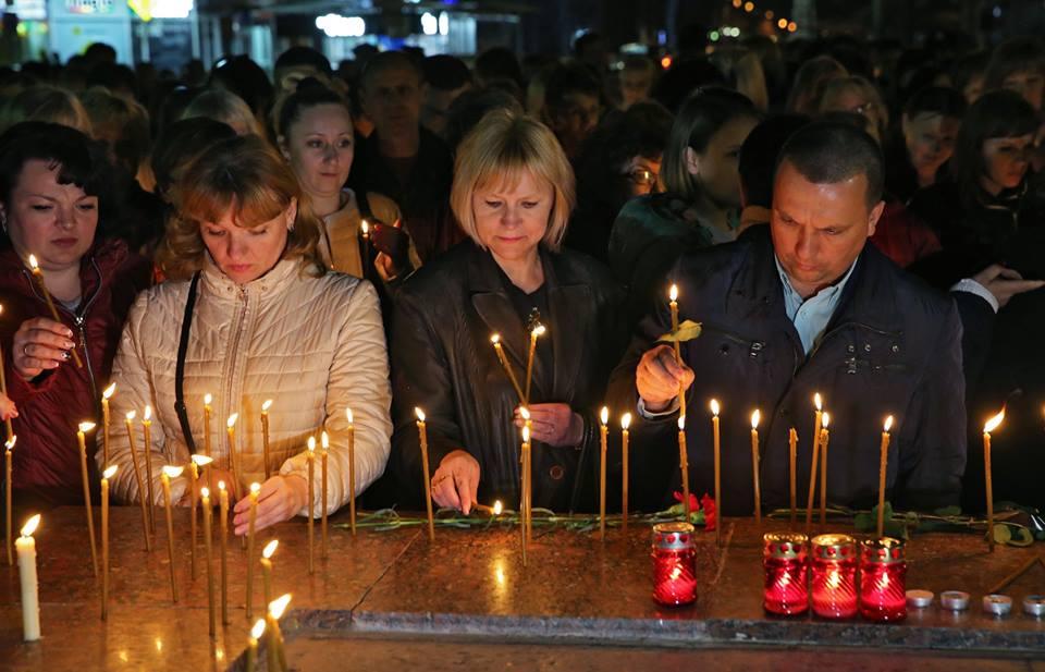Крымчане скорбят по погибшим в Санкт-Петербурге