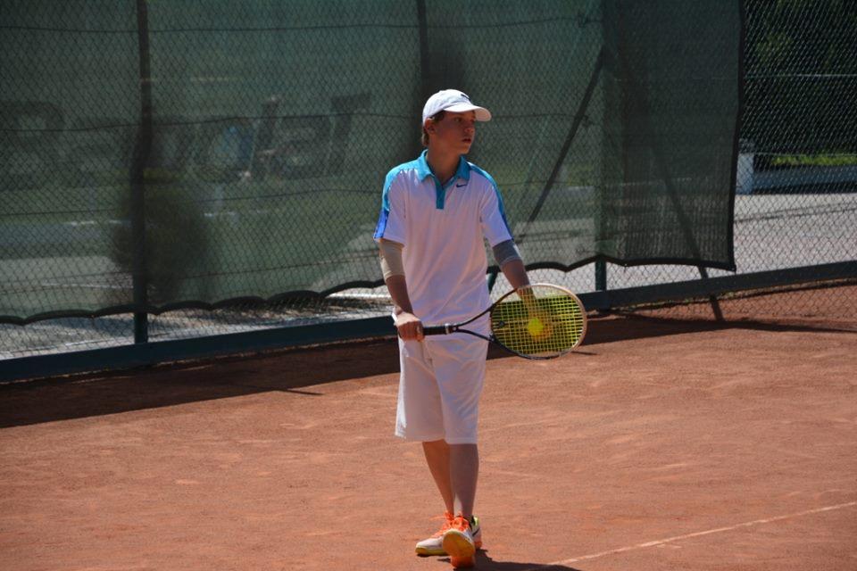 В Евпатории стартовал российский теннисный турнир