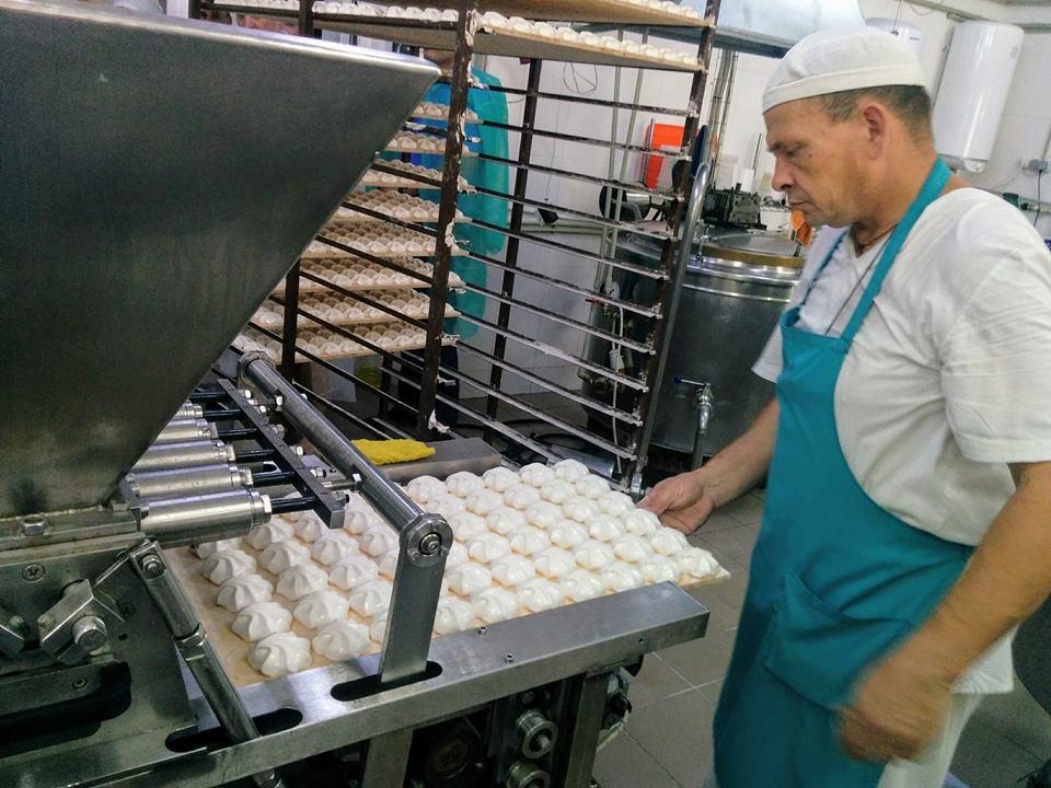 В Крыму открыли завод по производству зефира