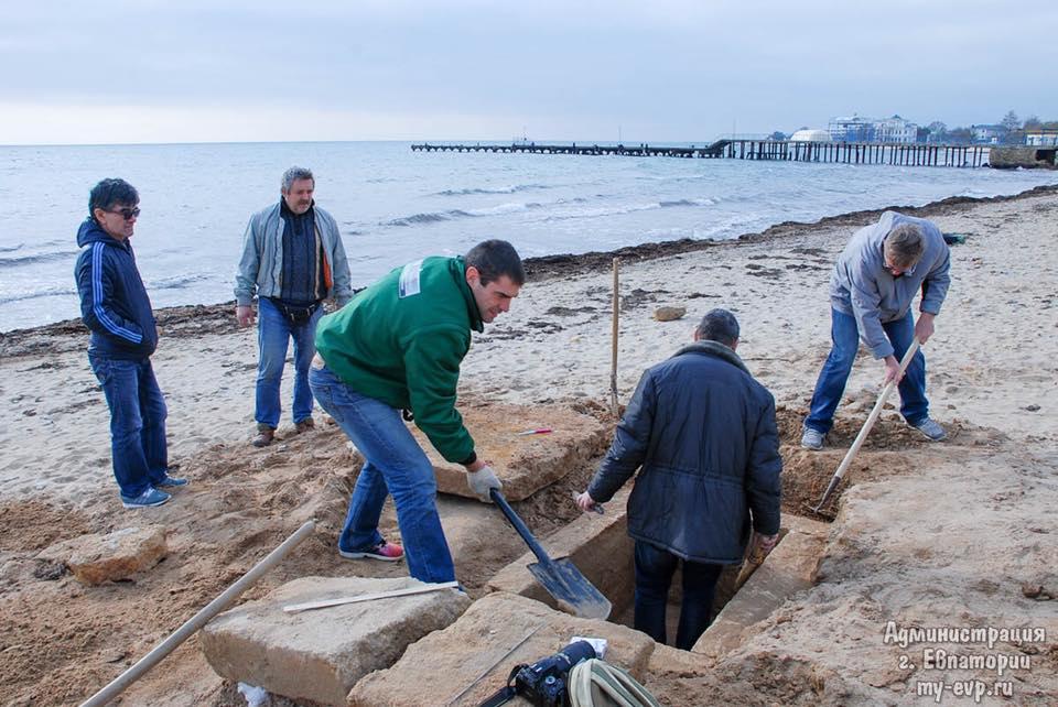 В Евпатории размышляют, что делать с необычной археологической находкой