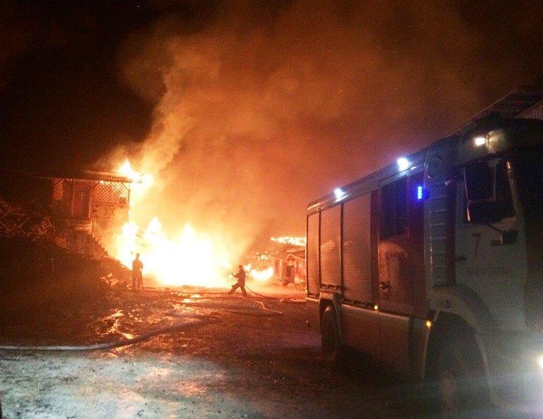 Крымские пожарные спасли от огня Свято-Успенский мужской монастырь