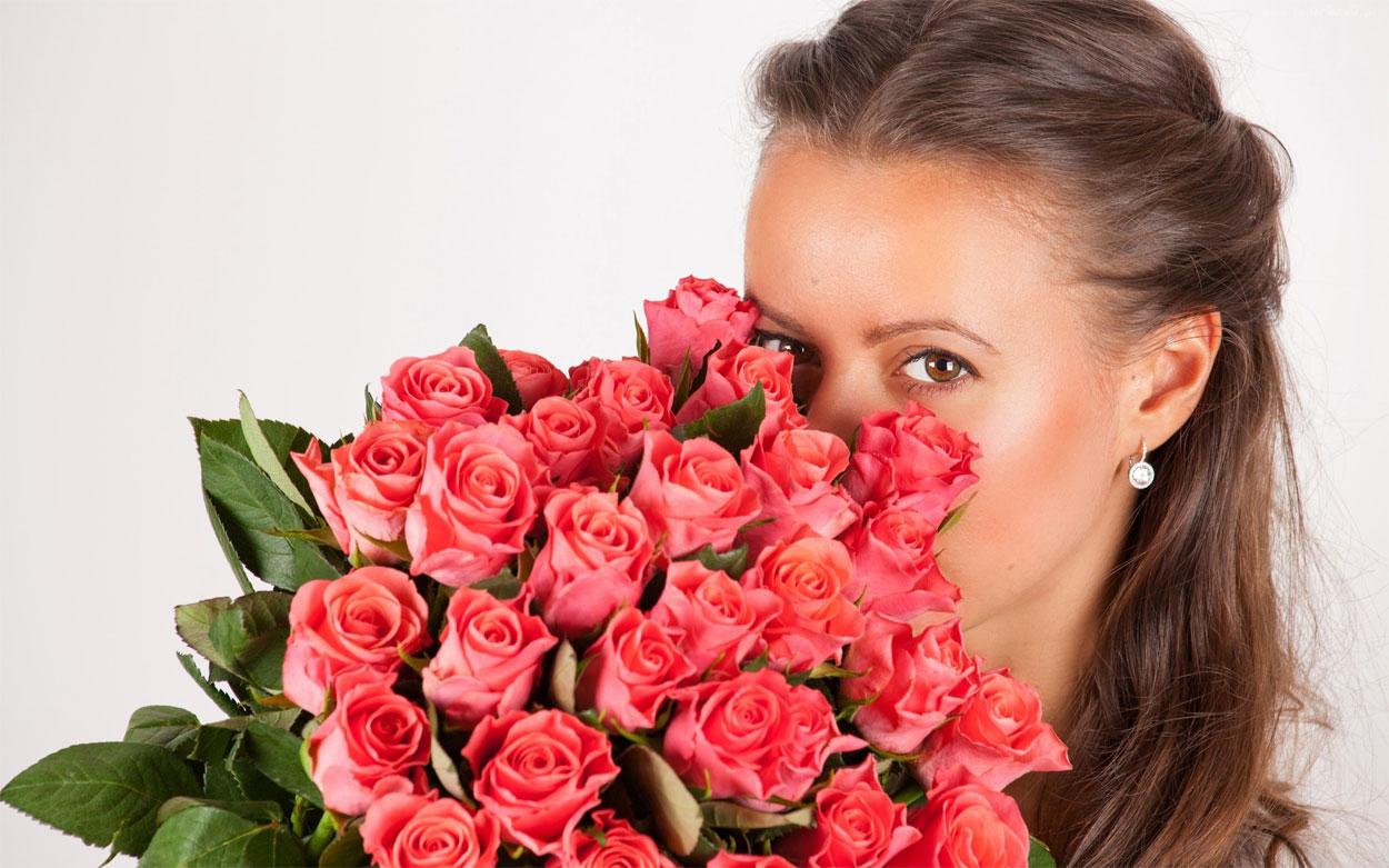8 Марта в Крыму: цветы, подарки и забота…