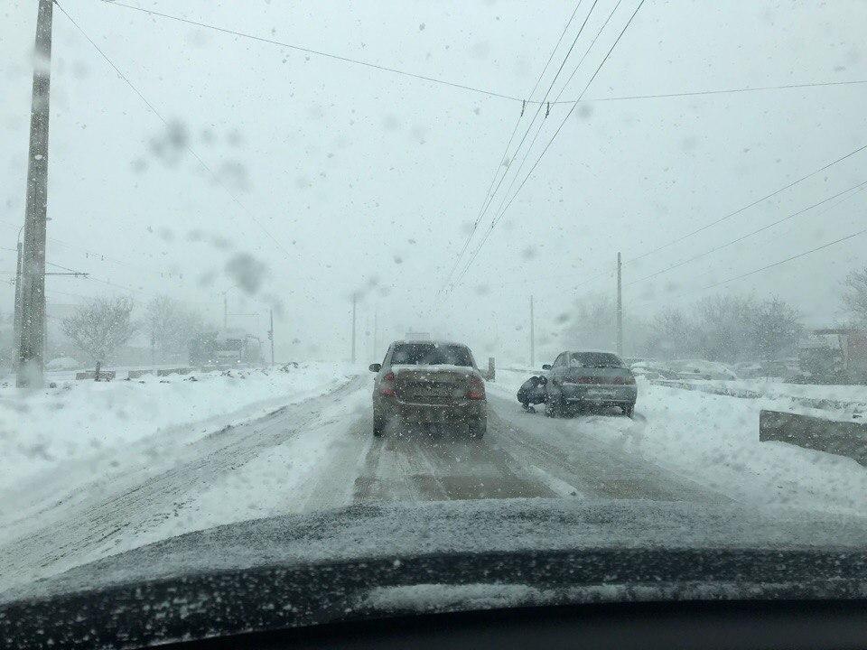 В Крыму из-за снегопада отменена часть автобусных рейсов