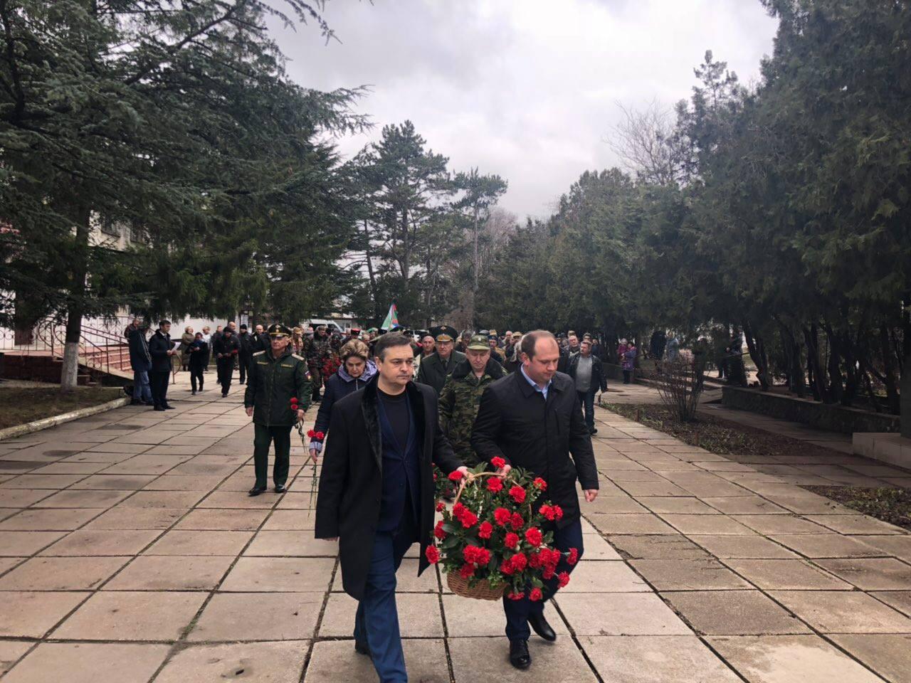 В Симферопольском районе почтили память воинов-интернационалистов