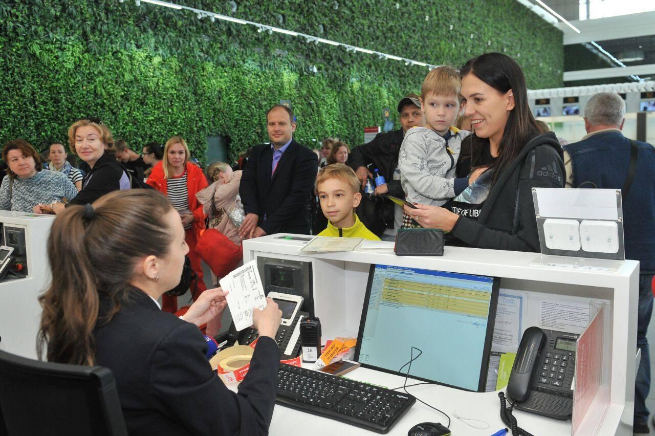 Четырехлетний малыш стал миллионным пассажиром аэропорта «Симферополь»