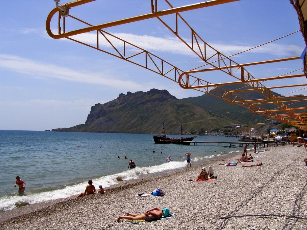 Театр начинается с вешалки, а пляж с раздевалки…